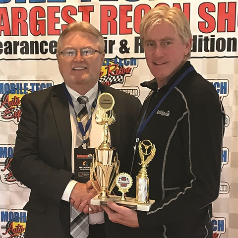 AutoBodyGuard exec Jeff Snowden earned a lifetime achievement award at the 2017 Mobile Tech Expo, presented in recognition of his service and leadership in the PDR industry.