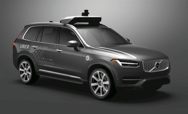 Volvo has announced it plans to put fully autonomous vehicles in dealer showrooms by 2021, outpacing timelines proposed by other OEMs and tech companies. Courtesy Volvo Car Corp.
