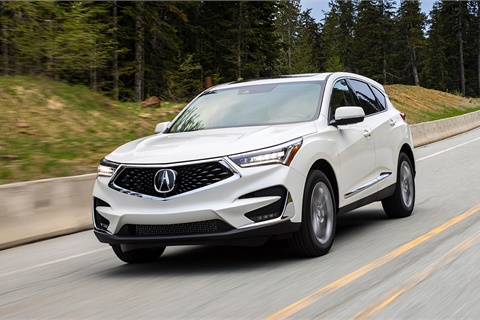 The new-for-2019 Acura RDX has enjoyed a 70% share-of-segment online traffic gain since June 2017, including a 35% jump from June 2018 to July 2018, according to Jumpstart Automotive Media. Photo courtesy American Honda Motor Co.