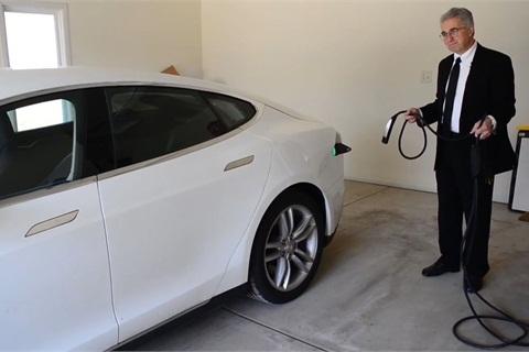 King Of Lemon Laws Files Suit Against Tesla Top News